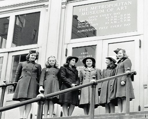 Students visit the Met